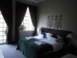 Double/Single En-Suite with Garden Access Room Thumbnail Pic 1