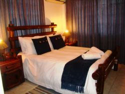 Self Catering Sleeps max 10 Room Thumbnail Pic 1