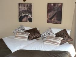 4 bed Bed Rooms Room Thumbnail Pic 1