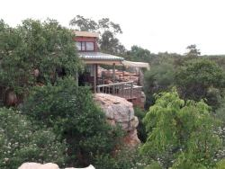 Sandstone and Flintstone cottage Room Thumbnail Pic 1