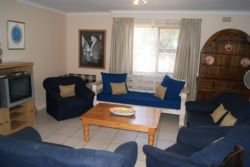 Three Bedroom Apartment Room Thumbnail Pic 1