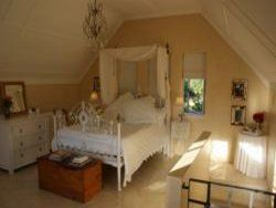 The Cottage At Devon Castle Room Thumbnail Pic 1