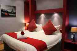 Honeymoon Suite X1 Room Thumbnail Pic 1