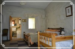 Joe's Cottage  Room Thumbnail Pic 1