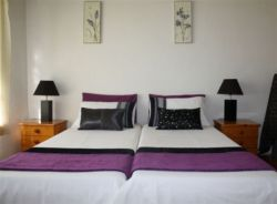 Self Catering House Room Thumbnail Pic 1