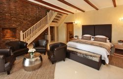 Family Room - Sleep 5 (staircase) Room Thumbnail Pic 1