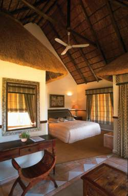 Mountain, Bush and Stables Lodges - Zebra Room Thumbnail Pic 1