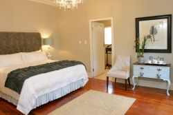 Plumbago Executive Suite Room Thumbnail Pic 1