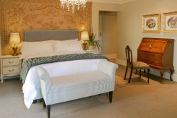 Hydrangea Deluxe Suite Room Thumbnail Pic 1