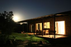7.The Aloes house: 3 Bedroom 3 Bathroom unit Room Thumbnail Pic 1