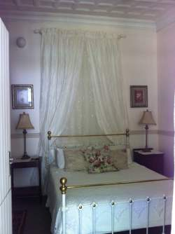 seperate Guest Bedroom suite Room Thumbnail Pic 1
