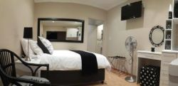 Studio Unit - Self Catering  Room Thumbnail Pic 1