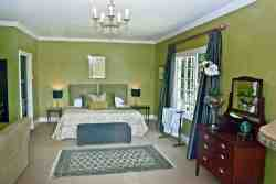Green Honeymoon Suite Room Thumbnail Pic 1