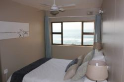 Self-catering Apartment on the Beach Room Thumbnail Pic 1