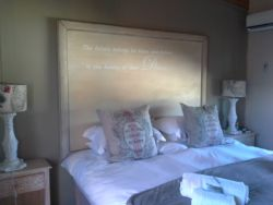 Twin / Double Room Room Thumbnail Pic 1