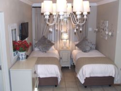 Unit 2 Room Thumbnail Pic 1