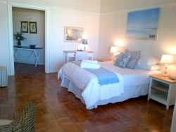 Spacious, one-bedroomed apartment Room Thumbnail Pic 1