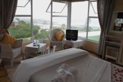 Double Room with bath - Sunbird Room Thumbnail Pic 1
