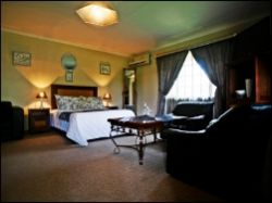 Room 13 - Executive Suite Room Thumbnail Pic 1