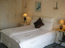 Self Catering Studio Room Thumbnail Pic 1