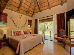 The Bushman Chalet - Bed & Breakfast  Room Thumbnail Pic 1