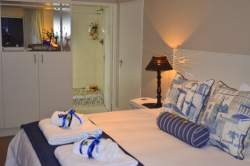 Deluxe double/Twin Room-Sea Breeze Room Thumbnail Pic 1