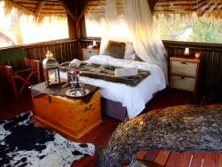 Rustic Tree House  Room Thumbnail Pic 1