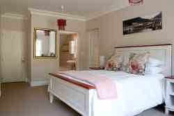 Standard Double Room Room Thumbnail Pic 1