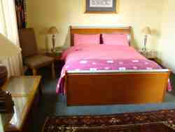 1 Bedroom Self Catering Cottage Room Thumbnail Pic 1