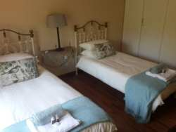 First bedroom Room Thumbnail Pic 1