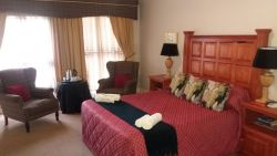 Silver Mist Guest House Luxury Room Room Thumbnail Pic 1