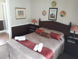 Country Inn @ Silver Mist Guest House Room Thumbnail Pic 1