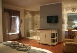 Swallow Suite (double room) Room Thumbnail Pic 1