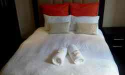 Queen Deluxe 2 Suite Room Thumbnail Pic 1