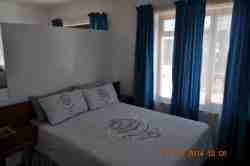 Apartment 3 - double, sleeps 3 Room Thumbnail Pic 1