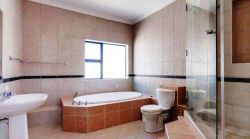 5 en-suite bedrooms Room Thumbnail Pic 1