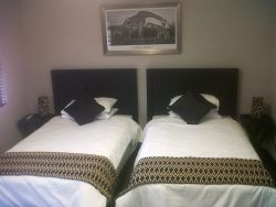 Luxury Self-catering Unit (Twin)  Room Thumbnail Pic 1