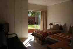 Self catering unit 2 Room Thumbnail Pic 1