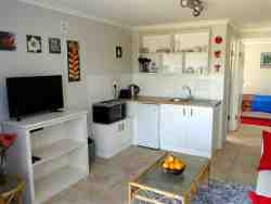 Glencairn Holiday Apartment Room Thumbnail Pic 1