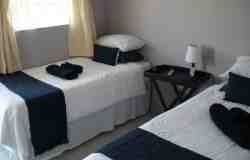 Standard Twin en-suite room Room Thumbnail Pic 1