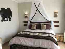Deluxe African Double Room Thumbnail Pic 1