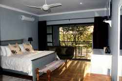 Dulux Double room with balcony Room Thumbnail Pic 1