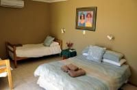 4 Bed Family Room  Room Thumbnail Pic 1