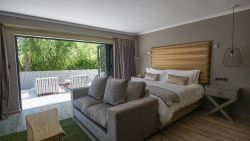 Luxury Garden Suite 1 Room Thumbnail Pic 1