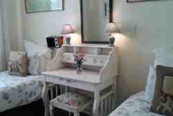 Self-Catering Cottage - sleeps 5 Room Thumbnail Pic 1