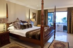 Grand Deluxe Self Catering Suite Room Thumbnail Pic 1