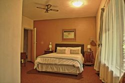 Lodge self catering  Room Thumbnail Pic 1