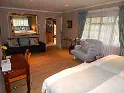 Rose Luxury Family Self-Catering Cottage Room Thumbnail Pic 1