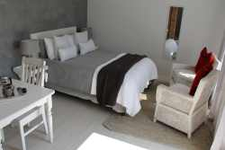 Rose unit (Self-catering cottage) Room Thumbnail Pic 1