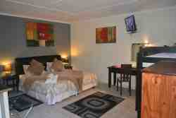 Oyster Catcher / Self Catering Room Thumbnail Pic 1